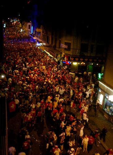 Fans füllen die Langstras