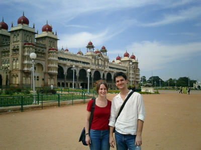 Alex and Claudia in front of Mysore palace