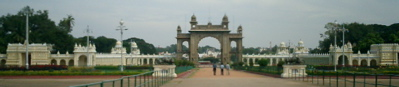 The main gate of Mysore palace