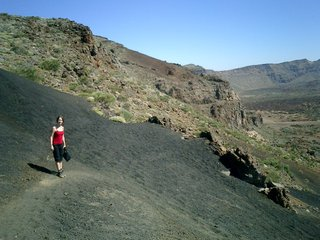 he descent over the black lava slope: Arenas Negras.